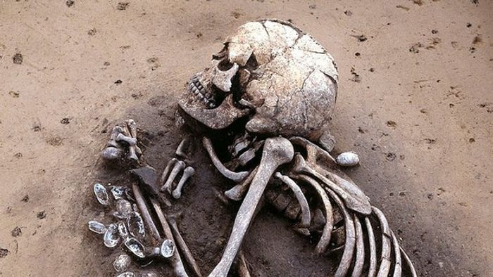 Nomadic herders moved en masse into Europe from the steppe around 4,500 years ago