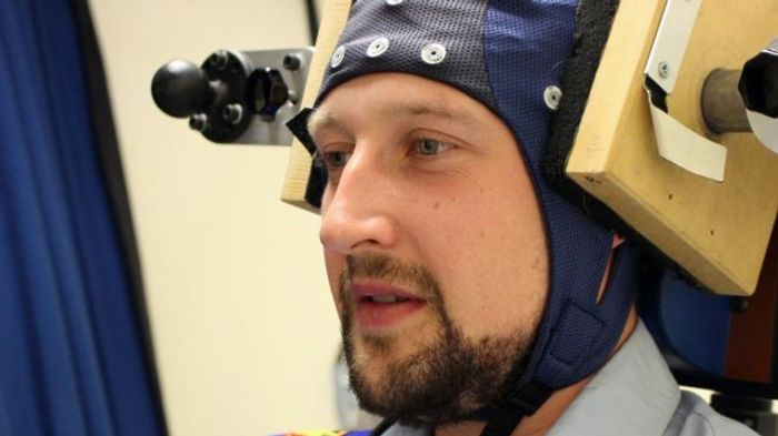 Electrodes that pass current over the scalp could ease motion sickness