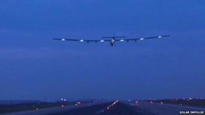 Solar Impulse leaves Chongqing after an enforced three-week lay-over