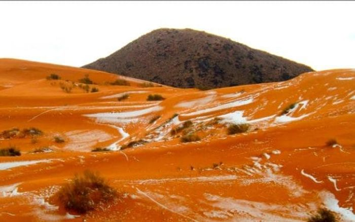 A photograph of snow in the Sahara Desert for the first time in 37 years.