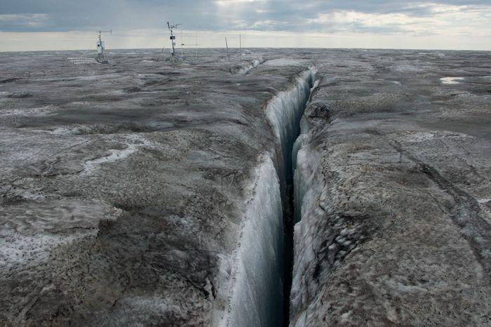 Algae thrives on Greenland's ice sheet. Photo: ScienceNordic