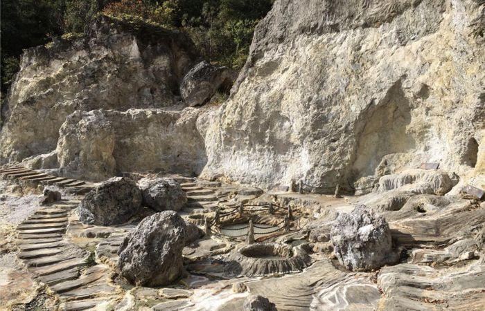 Tengchong Yunnan hot springs in China, where some of the newly described Brockarchaeota were collected. / Credit: Jian-Yu Jiao/Sun Yat-Sen University