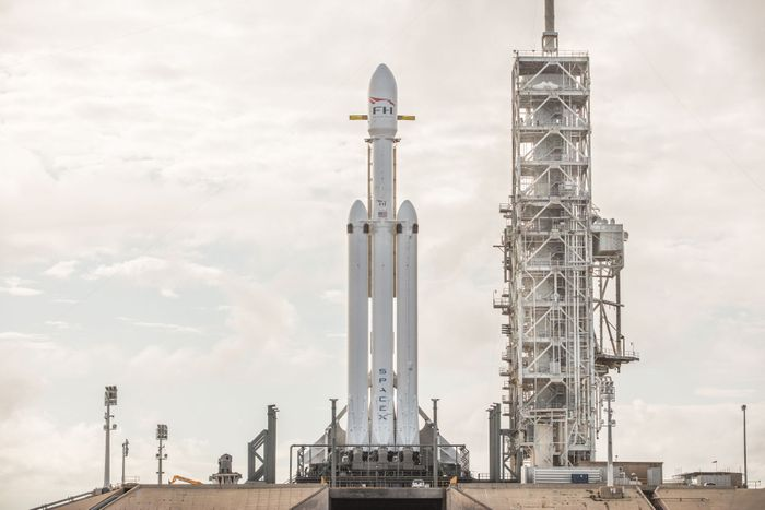 A day shot of the SpaceX Falcon Heavy rocket as it stands tall at launchpad 39A.