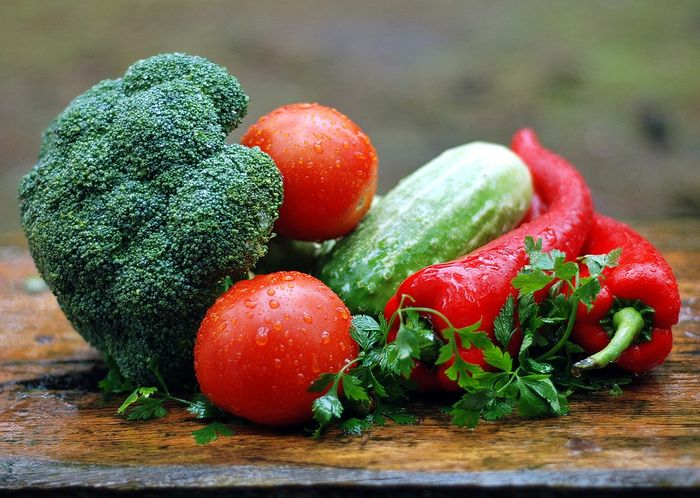 Both vegetarian and Mediterranean diets emphasize fruits and vegetables, beans, and whole grains.
