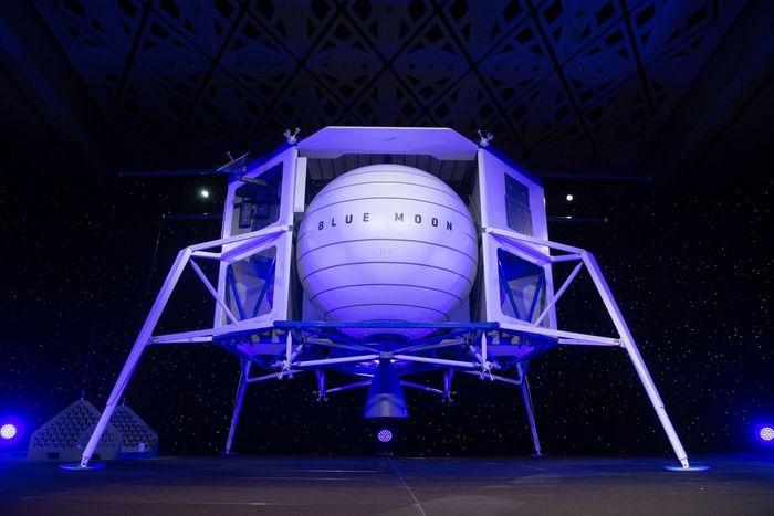 A mock-up of Blue Origin's upcoming Blue Moon lunar lander.
