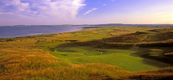 Coastal golf courses are threatened by rising sea levels. Photo credit: www.yourgolftravel.com