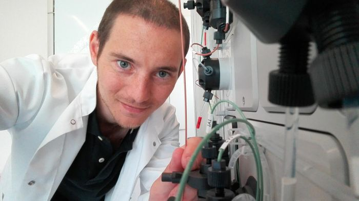 This is the Spanish researcher Darío Vázquez-Albacete in the laboratory of protein production at the Technical University of Denmark. / Credit: DTU