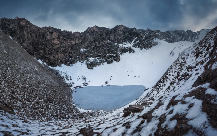 Roopkund Lake / Credit: Photo by Atish Waghwase / Harney et al Nature Communications 2019