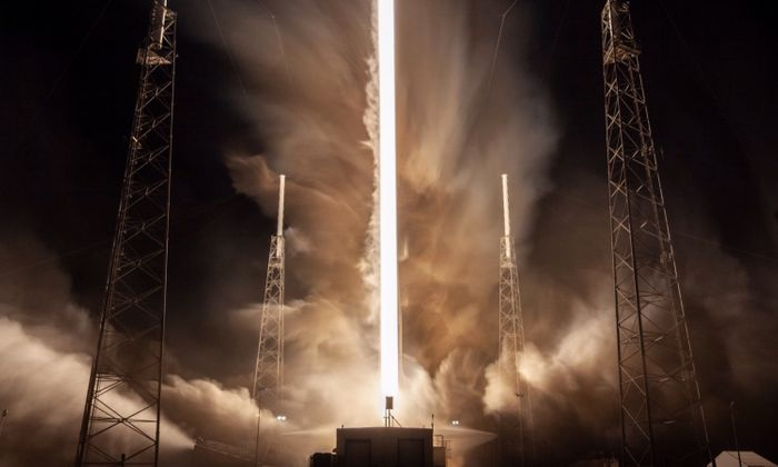A beautiful photograph of the launch.