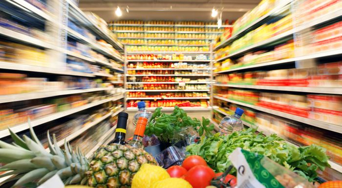 A new law in France aims to help with hunger problems by forcing supermarkets to donate expired food.