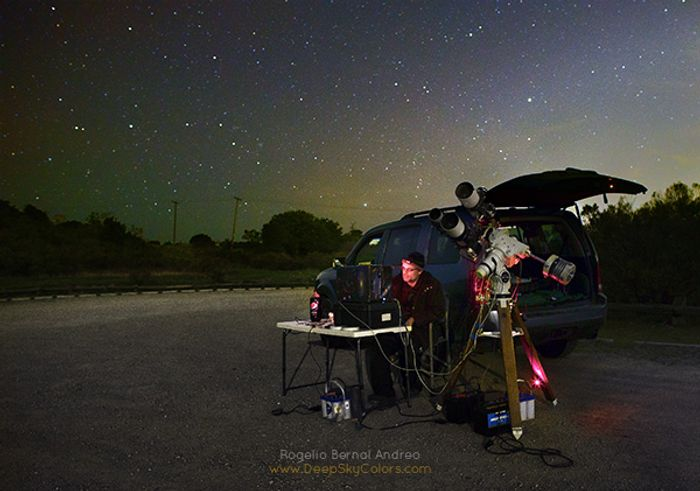 Andreo sets up his gear to photograph the Tesla Roadster in space from the Earth's surface.