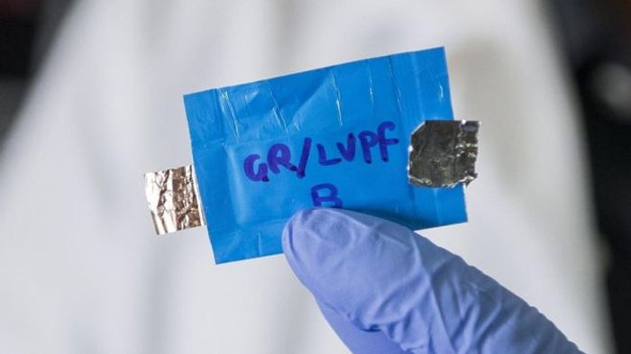 A picture of the new lithium-ion battery that resists explosions.