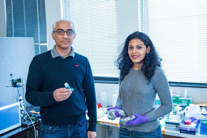 Rice University Scalable Health Lab researchers Ashutosh Sabharwal and Rajoshi Biswas. Source:  Jeff Fitlow/Rice University