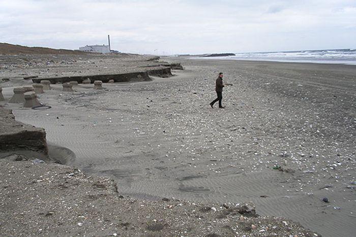 Kahima Beach in Japan is experiencing beach loss from erosion. Photo: Coastal Care