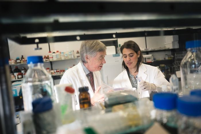 Nikolina Jovancevic and Hanns Hatt research why the heart is able to smell. © RUB, Kramer