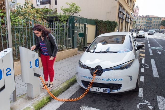 People are getting more and more excited about EVs. Photo: Icebike.org