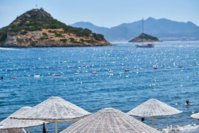 Will solar methanol islands soon be dotting our coasts? Photo: Pixabay