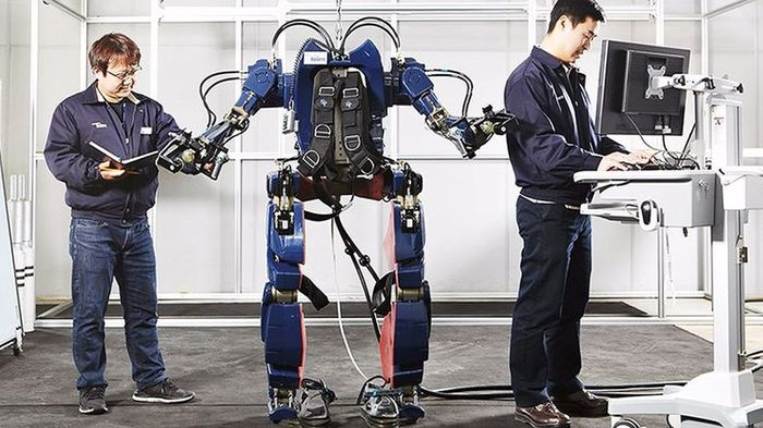 Hyundai's Iron Man suit looks nothing like Iron Man, but could still give humans super-human abilities.