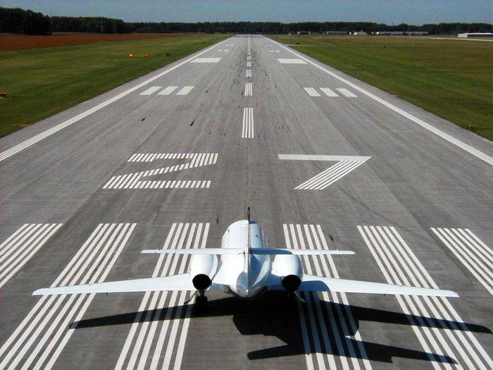 airport runway, credit: http://blog.elevatingtheupstate.com