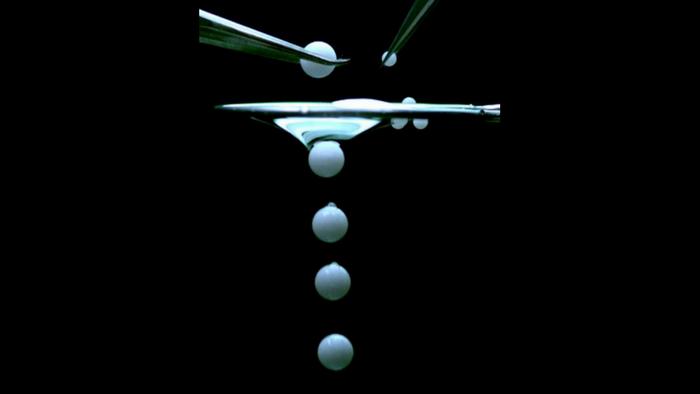 The self-healing reverse liquid filter in action (T. Wong/B. Boschitsch/Penn State)