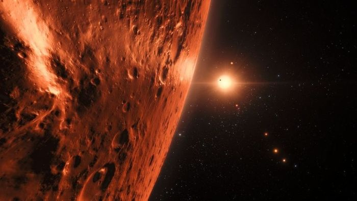 TRAPPIST-1's outermost exoplanets may host water, as the innermost exoplanets exhibit signs of photodissociation.