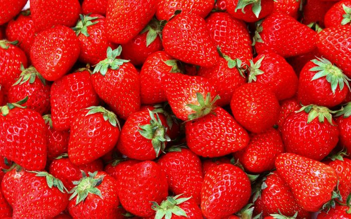 Typically, perishable foods like strawberries need to be refrigerated so they stay fresh. New tech may change that.